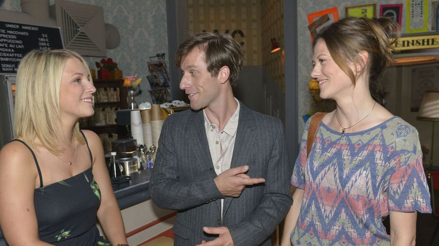 Iris Mareike Steen, Merlin Leonhardt und Katja Sieder am GZSZ-Set