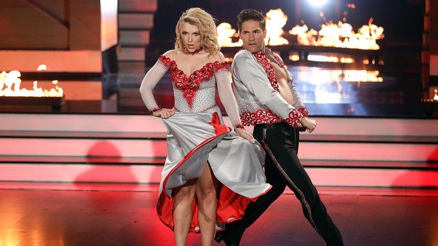 "Iris Mareike Steen und Christian Polanc beim Paso Doble bei ""Let's Dance"""