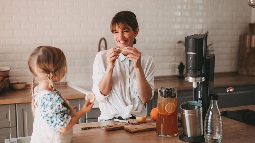 Isabell Horn mit ihrer Tochter Ella im April 2020
