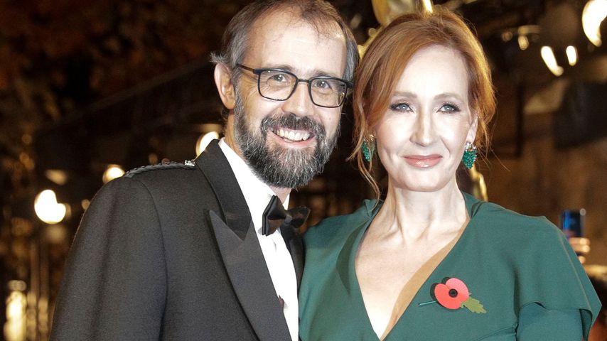 """J.K. Rowling und ihr Mann Neil Murray bei der """"Phantastische Tierwesen 2""""-Premiere in Paris 2018"""