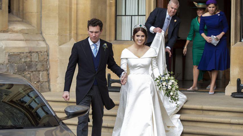 Jack Brooksbank, Prinzessin Eugenie und ihr Vater Prinz Andrew im Hintergrund