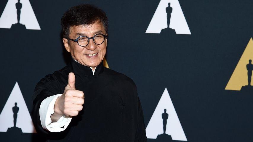 "Jackie Chan auf dem roten Teppich bei den ""Governors Awards"" im November 2016 in Los Angeles"