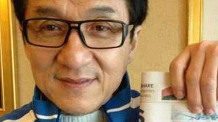 Nach Todes-Gerücht: Jackie Chan gibt Lebenszeichen