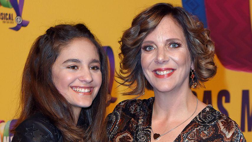 Daniela Büchner (r.) mit Tochter Jada im April 2019 in Berlin
