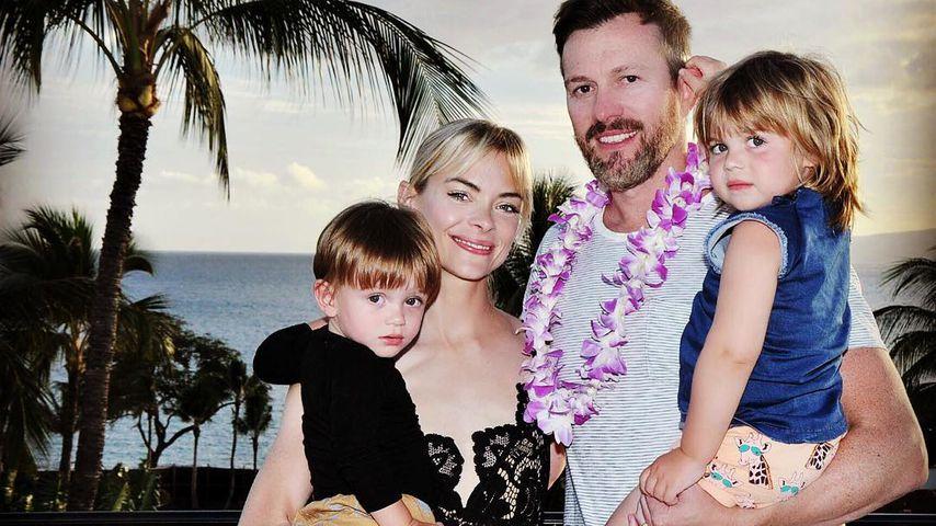 Jaime King mit ihrem Mann Kyle Newman und den Söhnen Leo Thames (li.) und James Knight