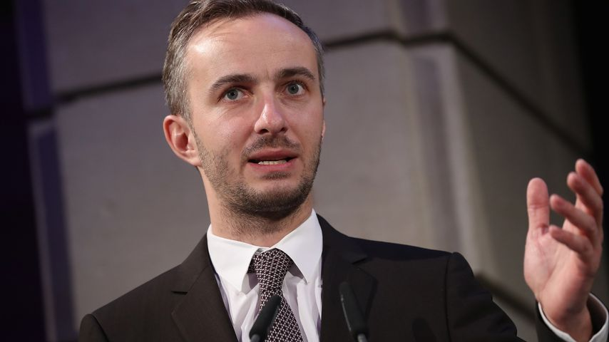 Jan Böhmermann, Satiriker