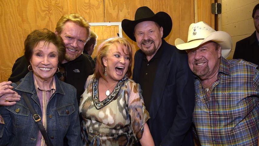 Jan Howard (links) mit einigen Musiker-Kollegen