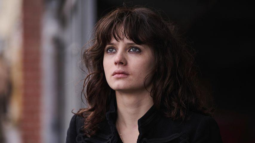 """Jana McKinnon als Christiane F. am Set von """"Wir Kinder vom Bahnhof Zoo"""""""