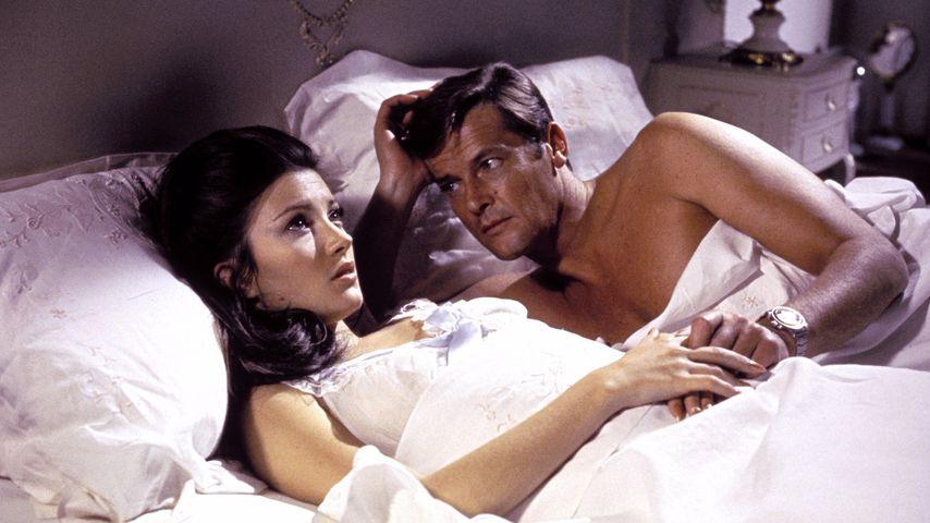 """Jane Seymour und Roger Moore in """"James Bond 007 – Leben und sterben lassen"""" von 1973"""