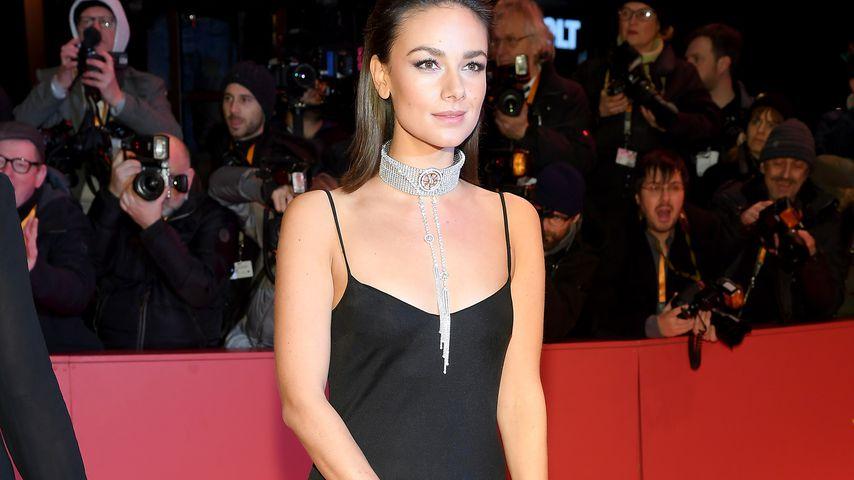 Janina Uhse, Schauspielerin