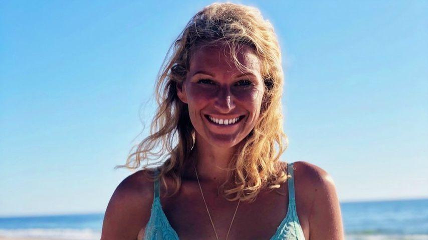 Kein Bikini, kein Problem: Janni Kusmagk surft in Dessous!