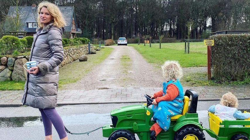 Janni Kusmagk mit ihren Kids auf Sylt im Dezember 2020