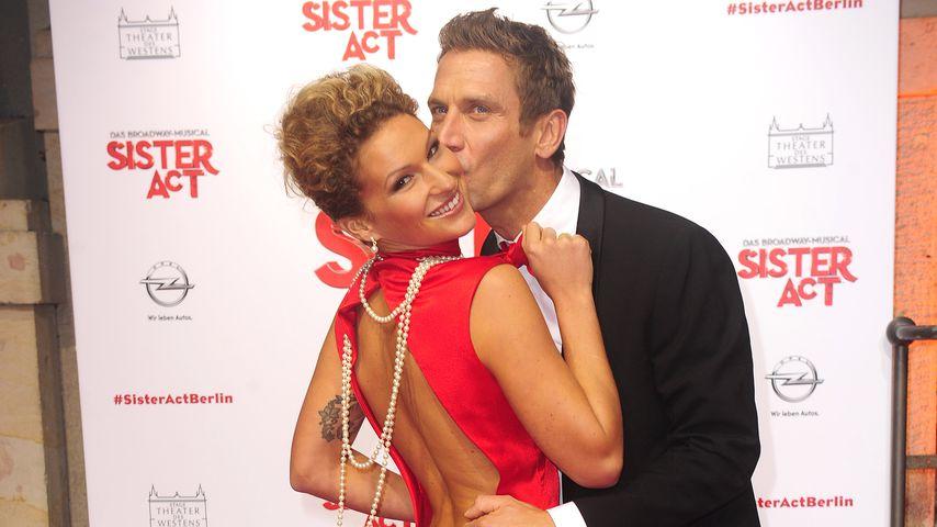 """Janni und Peer Kusmagk bei der Musical-Premiere von """"Sister Act"""""""