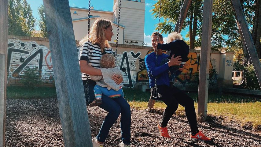 Janni und Peer Kusmagk mit ihren Kindern Yoko und Emil-Ocean