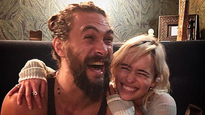 Jason Momoa und Emilia Clarke