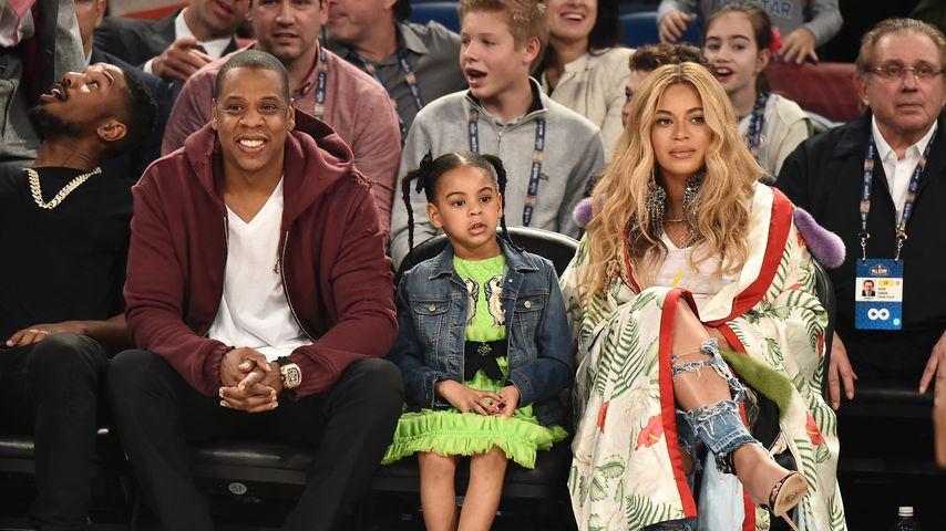 Jay-Z, Blue Ivy und Beyoncé Knowles beim NBA All-Star Game 2017