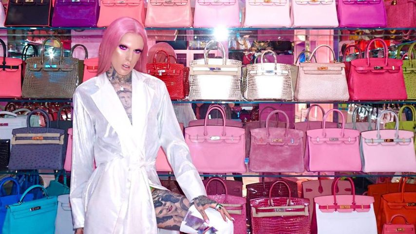 Jeffree Star mit seiner Luxustaschen-Sammlung