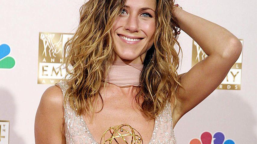 Jennifer Aniston bei den Emmys in L.A im September 2002