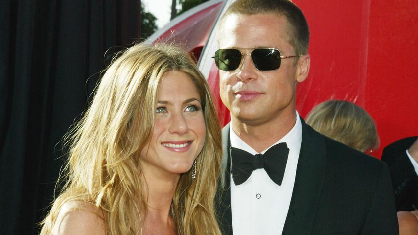 Jennifer Aniston und Brad Pitt bei den Emmy Awards 2004