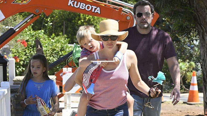 Jennifer Garner und Ben Affleck mit den Kids bei der Parade zum 4. Juli
