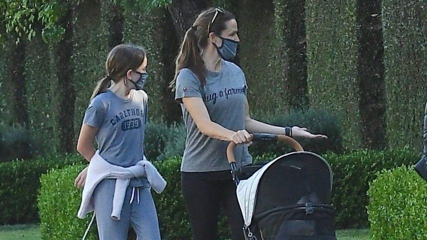 Verrückter Anblick: Jennifer Garner fährt Katze spazieren!