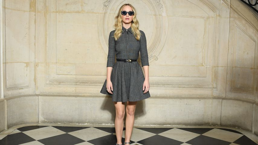 Jennifer Lawrence bei der Paris Fashion Week am 26. Februar
