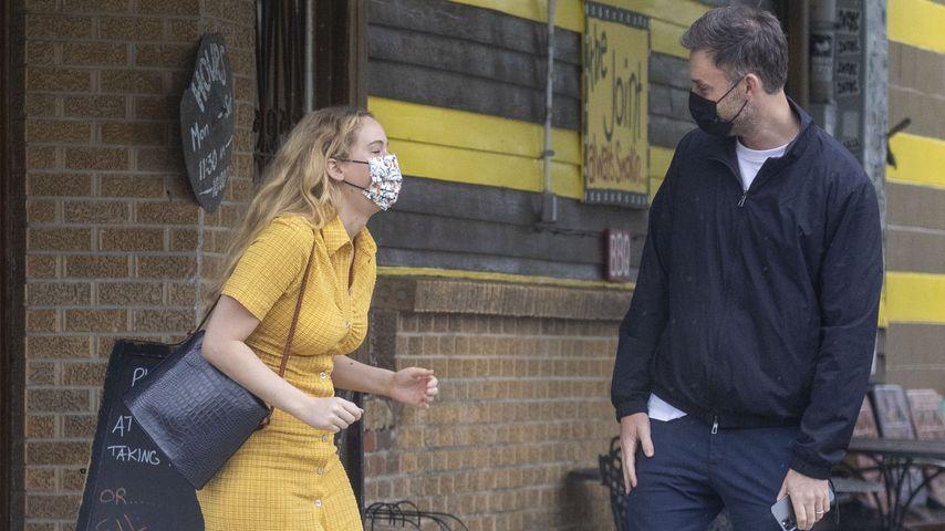 Jennifer Lawrence mit ihrem Ehemann Cooke Maroney