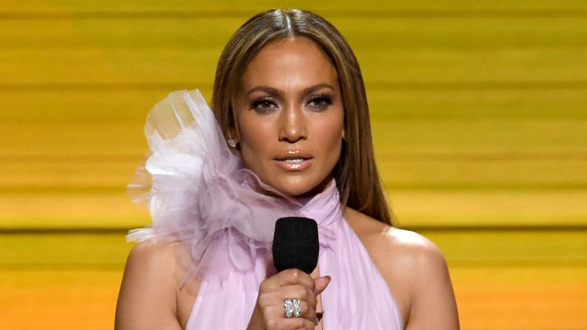 Jennifer Lopez bei den Grammy Awards 2017