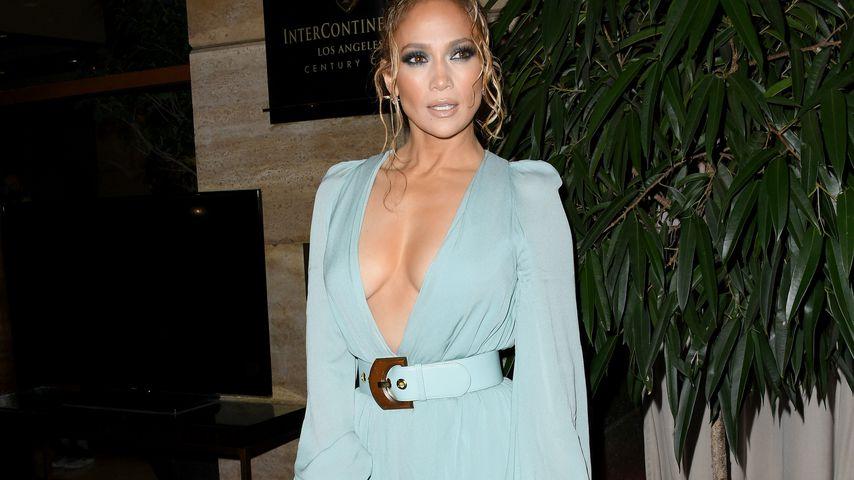 Mit Mega-Ausschnitt: Jennifer Lopez glänzt bei Award-Show!