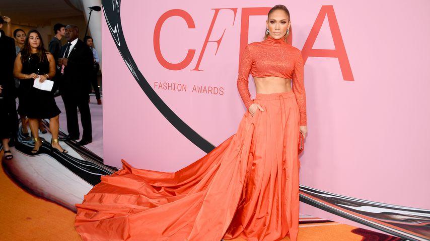 Jennifer Lopez bei den CFDA Awards 2019