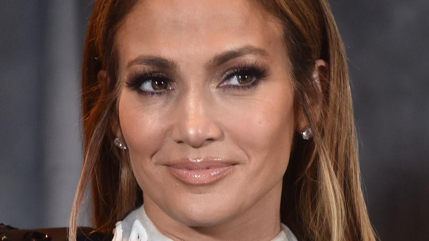 Trotz Mega-Erfolg & Traumbody: J.Lo zweifelt täglich an sich