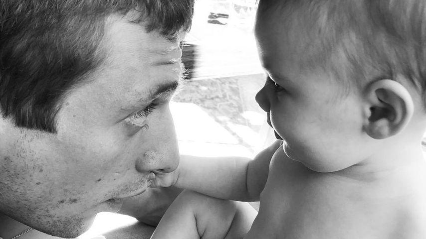 Jeremy Allen White mit seinem Baby