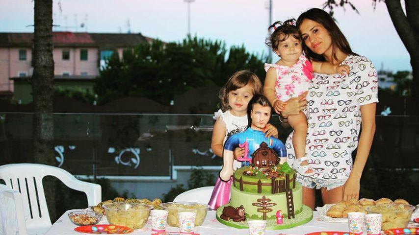 Jessica Immobile, die Ehefrau von Italienspieler Ciro, mit den gemeinsamen Kindern