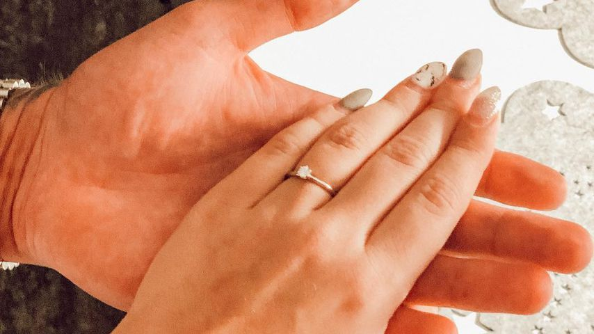 Jessica Neufeld und ihr Verlobungsring