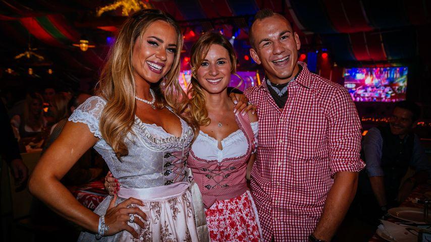 Jessica Paszka, Sandra Musch und Frank Stäbler beim Canstatter Volksfest in Stuttgart