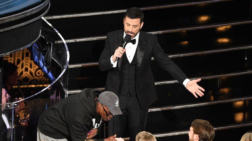 Jimmy Kimmel mit einem Fan bei den Oscars 2017