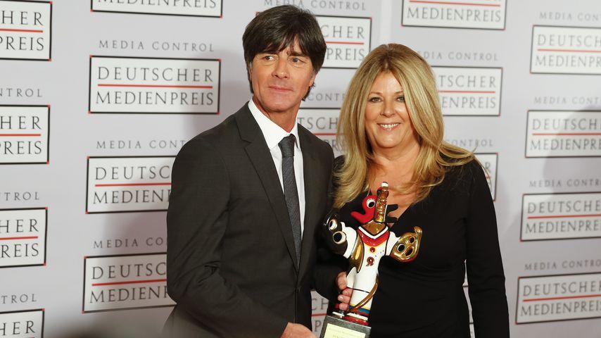 Joachim Löw und Ehefrau Daniela beim Deutschen Medienpreis 2014 im Kongresshaus in Baden-Baden