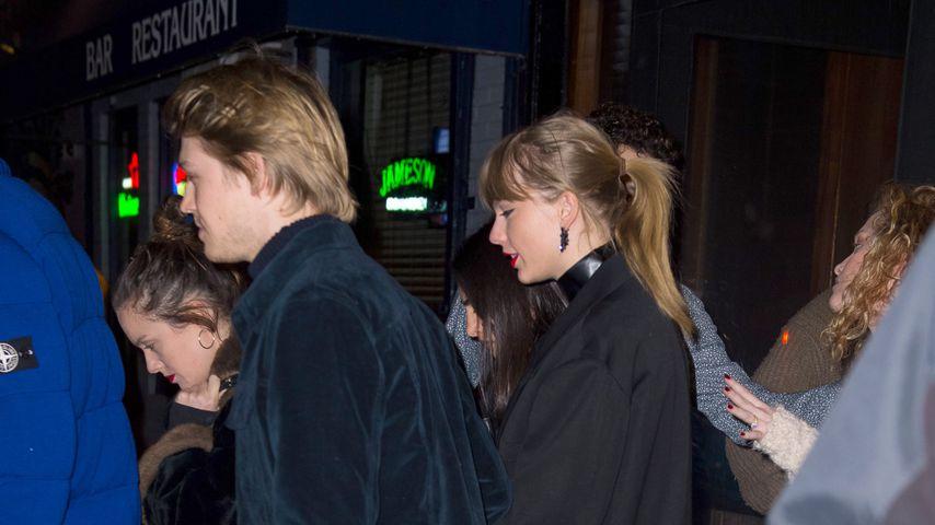 Joe Alwyn und Taylor Swift im Dezember 2018