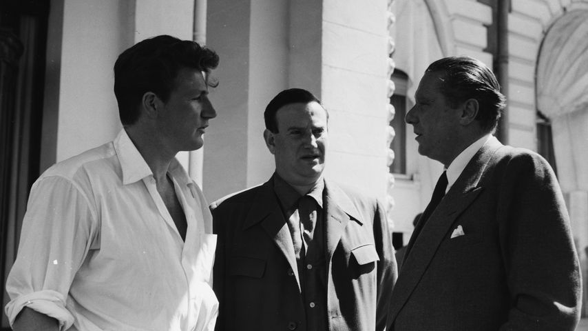 Joe Robinson, Wolf Mankowitz und Carol Reed in Cannes im Mai 1955