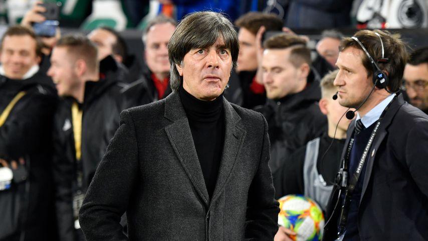 Jogi Löw beim Freundschaftsspiel gegen Serbien im März 2019