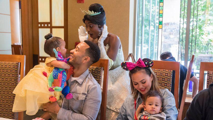 John Legend und Chrissy Teigen mit Tochter Luna und Sohn Miles