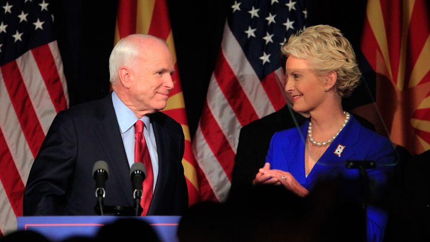 John McCain mit seiner Frau Cindy