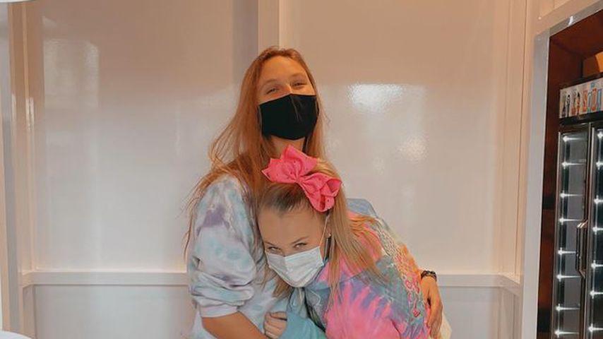 Jojo Siwa (r.) mit ihrer Freundin Kylie