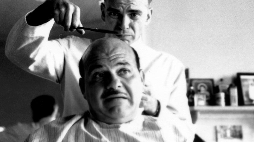 "Jon Polito im Film ""The Barbier"""