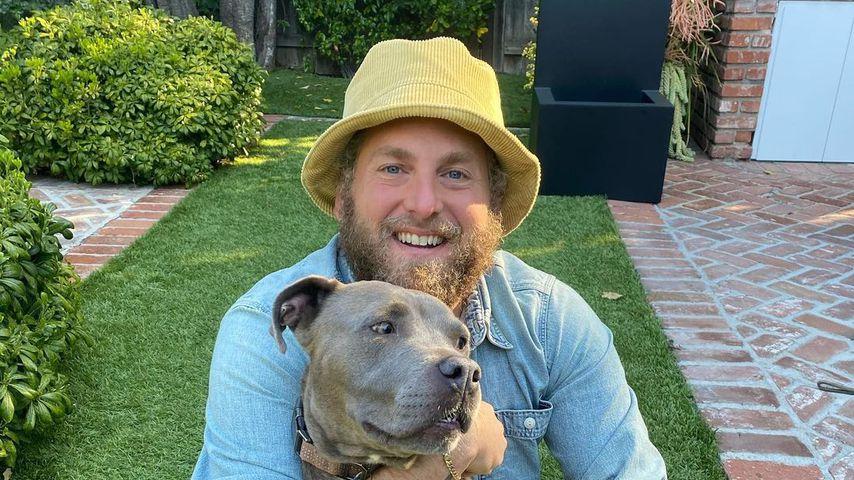 Jonah Hill mit seinem Hund