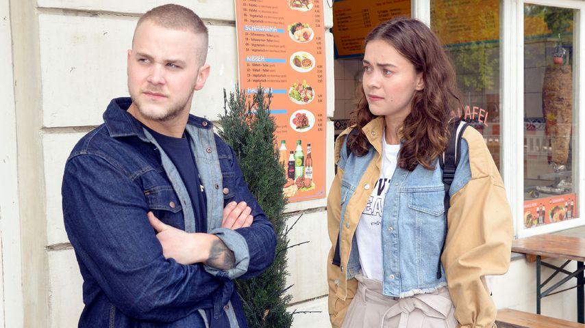 Jonas (Felix van Deventer) und Merle (Ronja Herberich) bei GZSZ