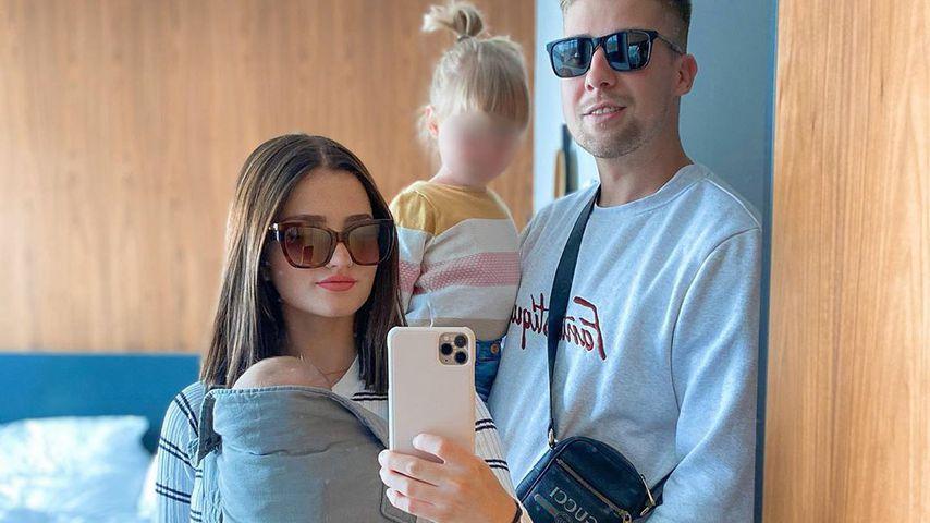 Julita mit ihrem Partner Florian und ihren Kindern
