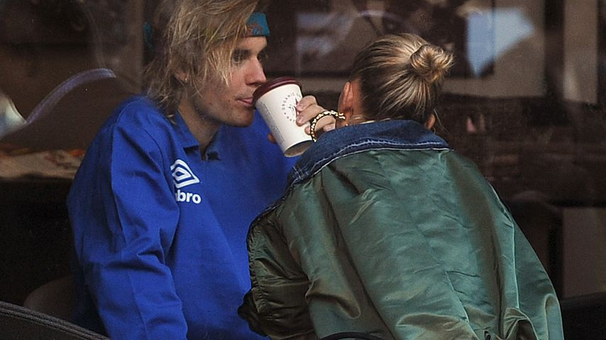 Verliebte Blicke: Justin & Hailey beim Kaffee-Date in London