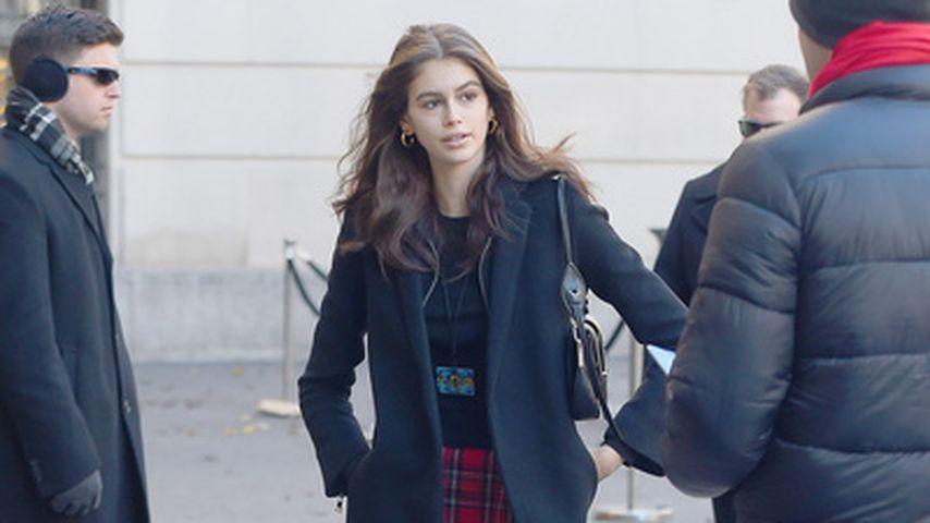 It-Piece: Kaia Gerber trägt Schottenrock wie Mary & Kate