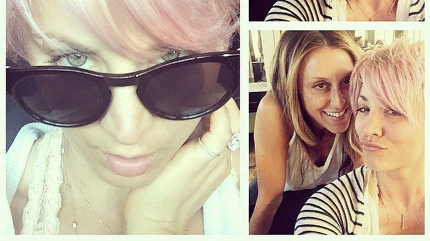 Zartrosa Zuckerwatte: Kaley Cuoco verblüfft mit Umstyling